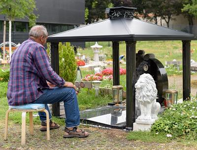 Slobodan auf dem Tierfriedhof Wien